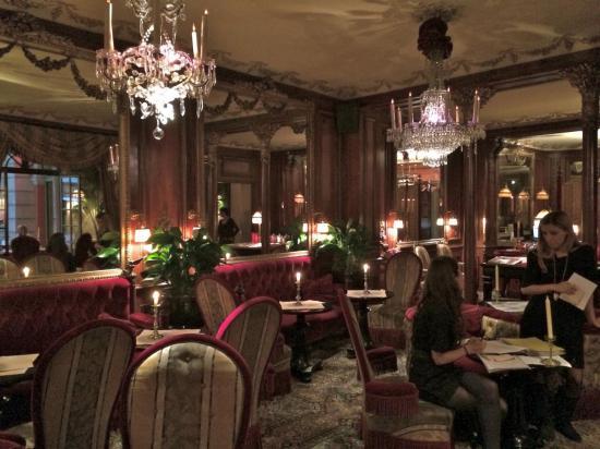 Paris - Café Rue du Faubourg Saint Honoré