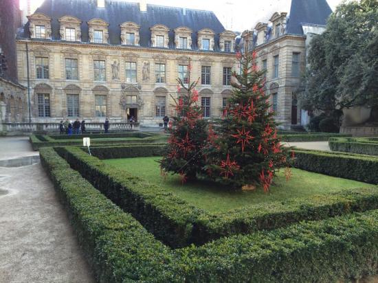 Hotel de Sully - Marais
