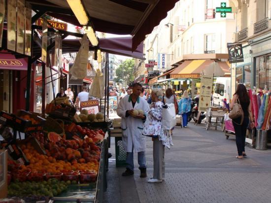 Paris 17e - marché rue de Lévis