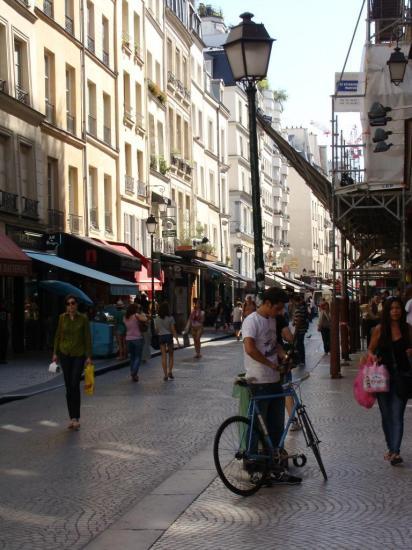 Paris 2e - Rue Montorgueil 1