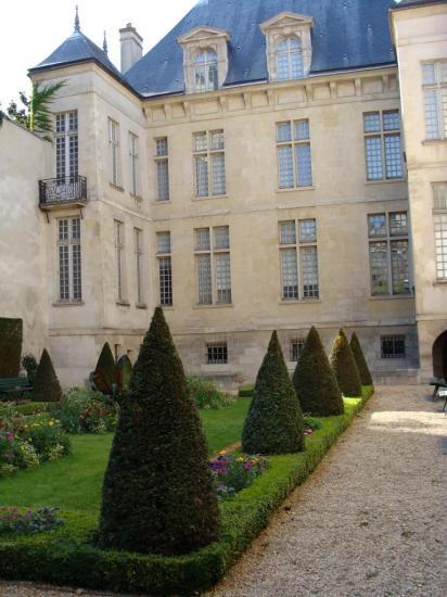 Paris 3e - Jardin à la Française
