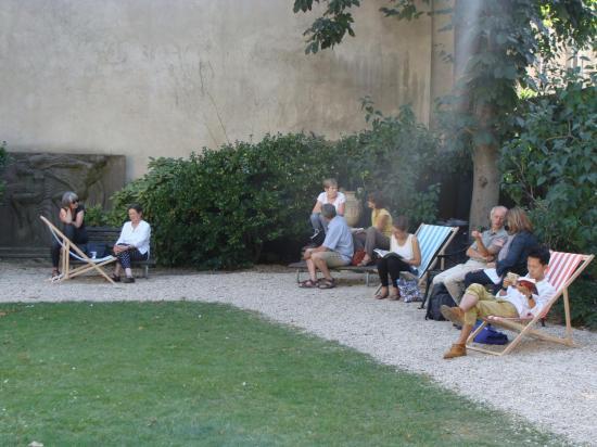 Paris 3e - jardin de lecture 1