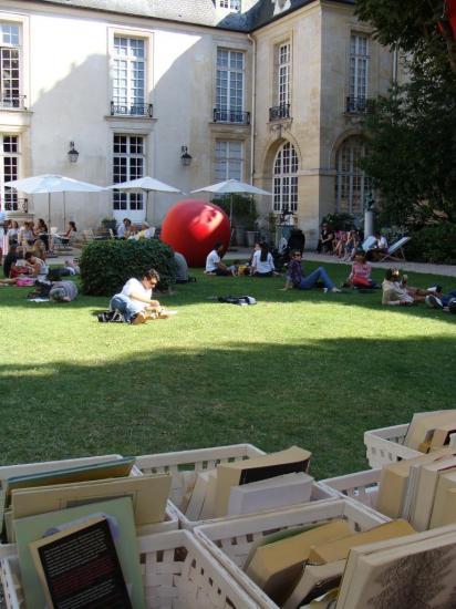 Paris 3e - jardin de lecture 3