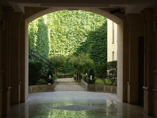 Paris 3e - jardin intérieur