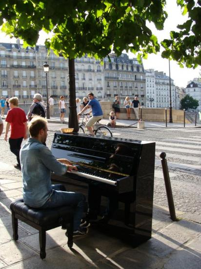 Paris 4e- Ile Saint Louis - piano