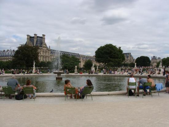 Paris - Jardin des Tuileries - Louvre 4