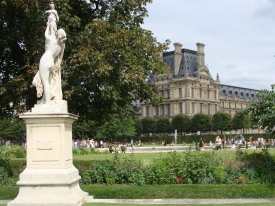 Paris - Jardin des Tuileries - Louvre 7