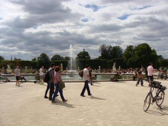 Paris - Jardin des Tuileries - Louvre 8