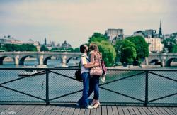 amoureux-pont-des-arts.jpg